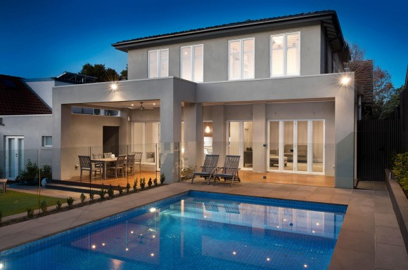 Kew East, A heritage zoned renovation & extension